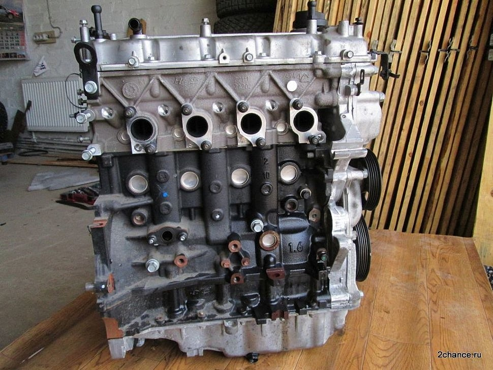 Двигатель D4FB вид сбоку